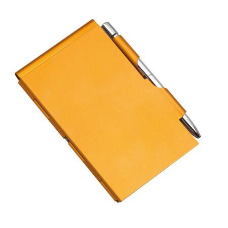Notesik w metalowym etui